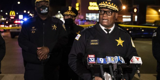 At least 2 dead and 13 injured in Chicago shooting