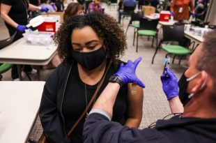 Vaccinated people can now meet without face mask in the US